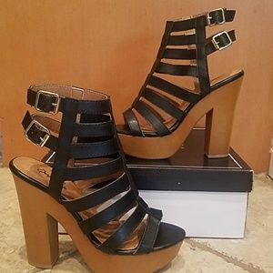Qupid women's black strappy platform block heels